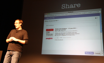 Mat Clayton presenting about the power of social media and sharing tons of tips
